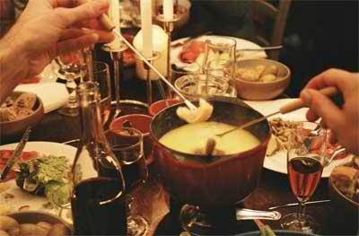 Recette de fondue savoyarde sans alcool pas de vin blanc - Appareil a fondue savoyarde traditionnel ...