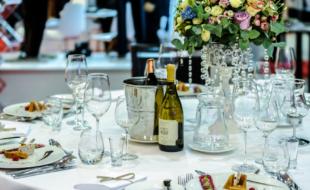 le-cocktail-gagnant-dun-aperitif-sans-alcool-et-dun-bon-repas-entre-amis.png